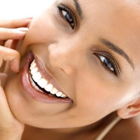Vì sao răng mọc chen chúc?
